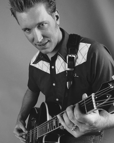 Mike Wolf - Guitarist